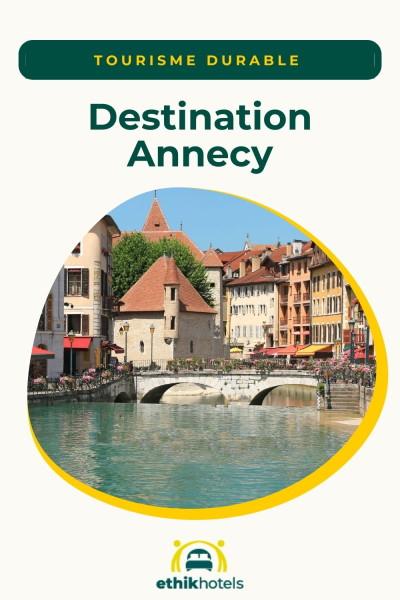La ville d'Annecy au bord de l'eau