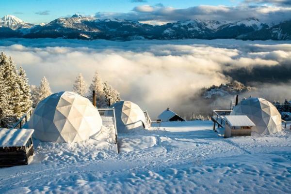 Whitepod sous la neige