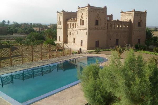 hotel Dar Harmony avec sa piscine exterieure