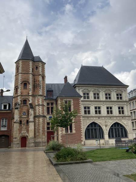 Vieux amiens - palais de justice