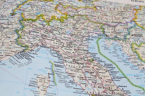 Prepare a road trip in Italy - northern italy map