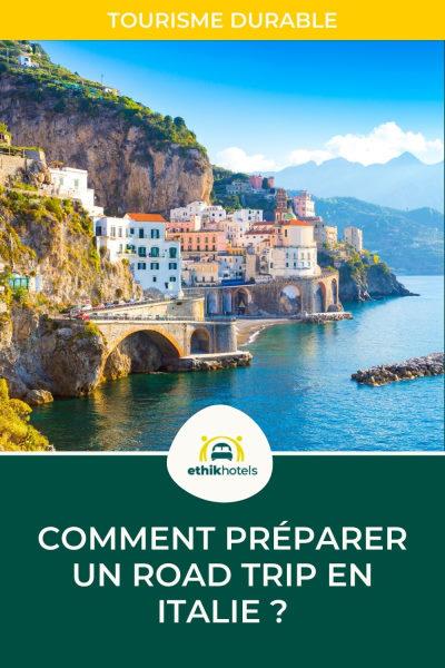 visuel pinterest 2 : photo d'un village italien à flanc de colline et bord de mer
