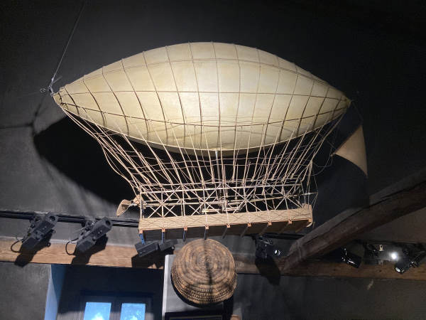 maison jules verne - airship hanging in the attic of the house
