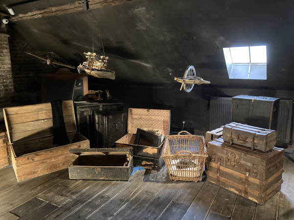 maison jules verne - boxes and chests in the attic
