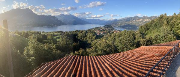 Découvrir le lac de côme - Vue panoramique prise depuis le restaurant il perlo panoramico du lac et de la pointe de Bellagio